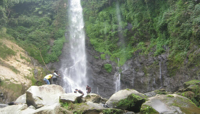 air terjun curug silawe featured