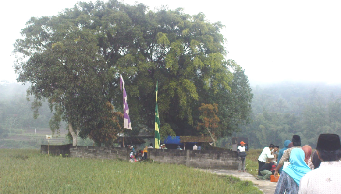 makam kyai tuk songo featured