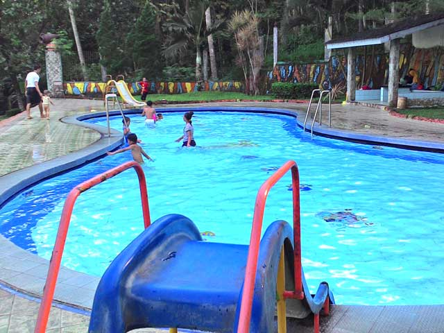 kolam renang anak soekotjo